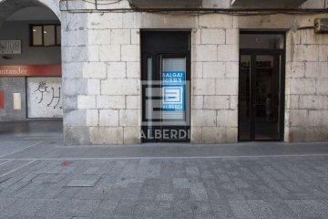 Foto 8 de Herriko Plazan, merkataritza lokala