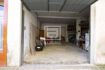 Foto 4 de Txalonerreka Auzoan, lokala eta garajea