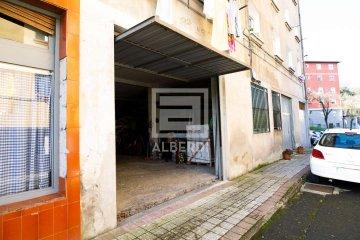 Foto 5 de Txalonerreka Auzoan, lokala eta garajea