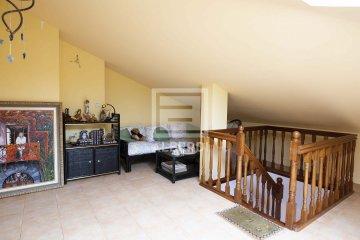 Foto 10 de En Trenbidearen Zumardia, piso completo en muy buen estado con zona duplex en el ático