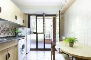 Foto 5 de Estupendo piso de cuatro habitaciones en Aingeru Kalea