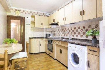 Foto 7 de Estupendo piso de cuatro habitaciones en Aingeru Kalea