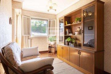 Foto 9 de Estupendo piso de cuatro habitaciones en Aingeru Kalea