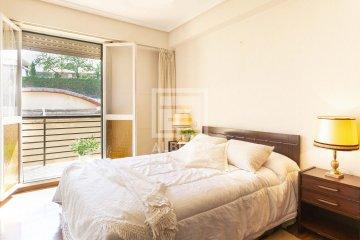 Foto 10 de Estupendo piso de cuatro habitaciones en Aingeru Kalea