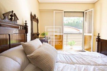 Foto 13 de Estupendo piso de cuatro habitaciones en Aingeru Kalea