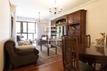 Foto 19 de Estupendo piso de cuatro habitaciones en Aingeru Kalea