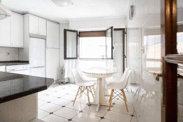 Foto 2 de Vivienda de 4 habitaciones en Aingeru Kalea